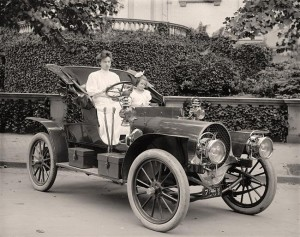 Woman-driving-old-car-300x237